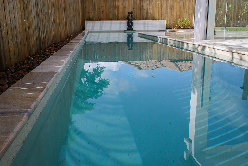 Gallery Splash On Pools