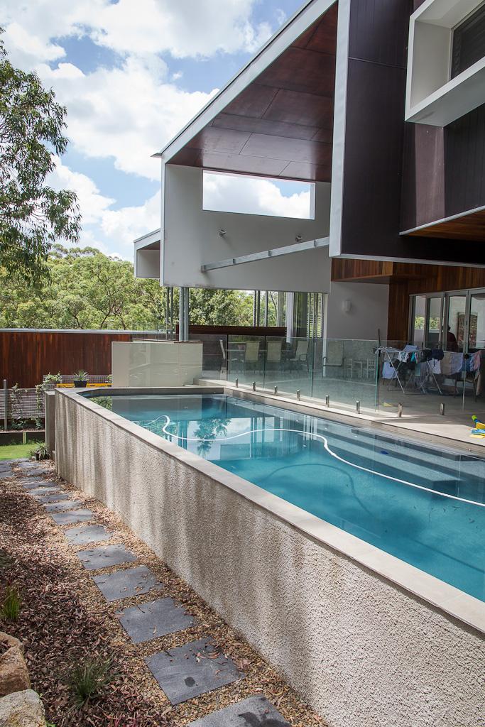 Gallery splash on pools - Above ground concrete pool ...